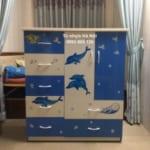 Tủ nhựa Đài Loan cho bé – Nên dùng tủ ngăn kéo hay cánh mở?